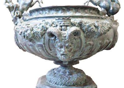 bronze-medici-vase-louis16